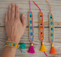NEW: limited edition OOAK beautiful strong colored beaded woven bracelet with big tassel, framed with heavy chain
