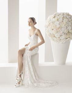 Buy Beautiful Lace Wedding Gown in Singapore.