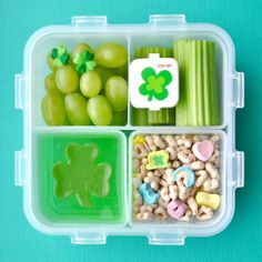 """I'm thinking Sour Cream and Onion chips, green tortilla shells for a wrap, """"green"""" mac and rainbow fruit with a gold wrapped candy at the end :-) Bento Box Lunch, Lunch Snacks, Kid Lunches, Lunch Boxes, Toddler Meals, Kids Meals, Creative School Lunches, Lunch Ideas, Meal Ideas"""