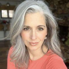hair blonde hair, long blo Silver hair – elegant yet sporty. Grey Hair Over 50, Long Gray Hair, Silver Grey Hair, White Hair, Grey Hair Styles For Women, Medium Hair Styles, Long Hair Styles, Grey Hair Transformation, Red Scene Hair