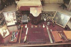 The writing desk of the Duke of Windsor.