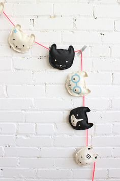DIY cat garland