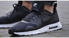 new product 0b982 371d7 Soldes Bienvenue A Acheter Pas Cher Nike Air Max Tavas Essential Homme Noir Blanche  Chaussures Vente Privee Super Deals NKnjQ7r