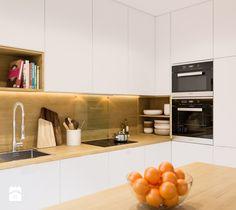 Projekt mieszkania. Kraków Śródmieście - Średnia otwarta kuchnia w kształcie litery l z wyspą, styl skandynawski - zdjęcie od PRØJEKTYW | Architektura Wnętrz & Design