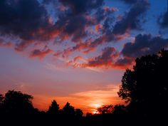 """AccuFan #Weather Photo of the Day: Colorful #sunset in Dayton, Ohio, taken by """"A. K. Entingh"""" on Aug. 10, 2017    Upload to https://www.accuweather.com/upload-content to qualify!"""