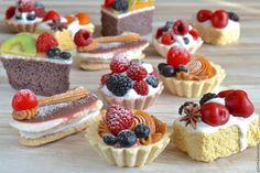 Купить или заказать Мыло пирожное с начинкой в интернет-магазине на Ярмарке Мастеров. Очень реалистичное мыло-пирожное с мыльным кремом и ягодкой малины или вишни. Цвета и ароматы можете выбрать сами. По умолчанию ароматизирую сладостями и ягодами…