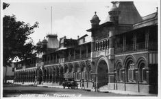 Queens Hotel, The Strand, Townsville Queens, Photographs, Louvre, Street View, Australia, Building, Places, Travel, Viajes