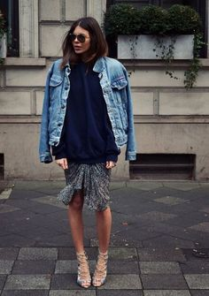 How to Wear Jean Jacket in Spring?