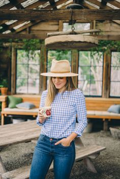 Gal Meets Glam One Night Stay In Mendocino - Philo Apple Farm - DVF top, jeans, c/o, Soludos espadrilles, and Preston & Olivia Oufits Casual, Casual Outfits, Cute Outfits, Fashion Outfits, Farm Outfits, Casual Wear, Spring Summer Fashion, Spring Outfits, Autumn Fashion