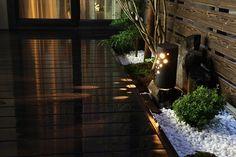 坪庭ライティング Draw:Garden/㈱北陸園芸 石川県K様邸 Spectacular garden lighting by lighting professionals. Enjoy a dramatic, romantic, even mysterious scene comparing to a day time.