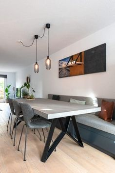 Lifs interieuradvies & styling www. Banquette Seating In Kitchen, Dining Room Bench Seating, Built In Seating, Kitchen Benches, Dining Nook, Dining Room Design, Dining Room Inspiration, Moving House, Cozy House