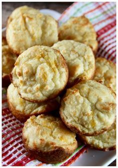 Low Carb Biscuits Recipe (Keto Friendly)-more like cornbread Low Carb Biscuit, Low Carb Bread, Keto Bread, Low Carb Keto, Low Carb Recipes, Banting Bread, Diet Recipes, Pizza Recipes, Recipes Dinner