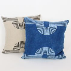Magnet Pillow by Block Shop Textiles. Hand block printed by generation master printers in Bagru; For sale at Fieldstudy. Indian Living Rooms, Indian Rugs, Guest Room Office, Colorful Pillows, Hand Embroidery Designs, Toss Pillows, Natural Linen, Decoration, Pillow Inserts