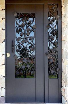 Modern Entrance Door, Main Entrance Door Design, Door Gate Design, House Gate Design, Door Design Interior, Front Door Design, Traditional Front Doors, Iron Front Door, Wrought Iron Doors