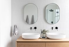 60 Gorgeous Bathroom Countertops Ideas That Make Your Bathroom Look Elegant - Millions Grace Small Bathroom Vanities, Bathroom Fixtures, White Bathrooms, Small Bathrooms, Small Vanity, Bathroom Modern, Industrial Bathroom, Minimalist Bathroom, Bathroom Lighting