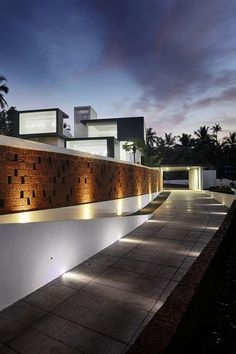 Imposing, Eye-Catching And Mysterious: The Running Wall #Residence > Lijo Reny #Architects