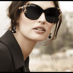 Baroque Rose Gold Sunglasses Amazing fashion piece that really creates an expensive look to any outfit. Super cute and versatile! Accessories Sunglasses