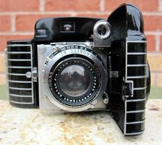 KODAK BANTAM SPECIAL EK272 FROM 1936 - 1940 ART DECO CAMERA. The most beautiful camera ever made as designed by Walter Dorwin Teague