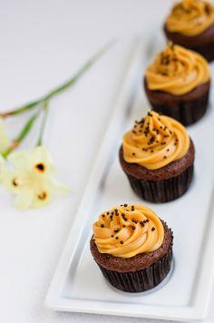 Mini Cupcakes de Pão de Mel com Cobertura de Doce de Leite