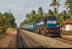 RailPictures.Net Photo: 11223 Indian Railways WDM-3D at Thiruvananthapuram, India by Jayrailfotographia