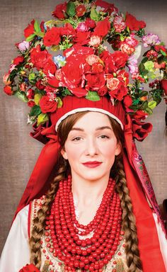 Traditional flower crowns from Poland. Kraków costume.