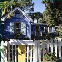 Mermaid Tale: Fish Camp Cottage - Mermaid Cottages on Tybee Island, GA Cozy Cottage, Cottage Living, Coastal Cottage, Coastal Homes, Cottage Homes, Cottage Style, Lake Cottage, Cottage Ideas, Coastal Style