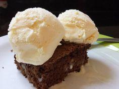Brownie com sorvete de creme