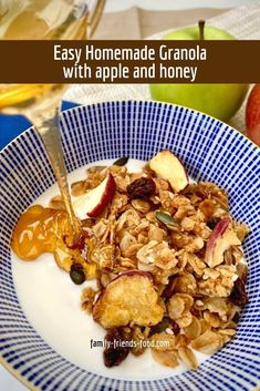 A crisp, crunchy, slightly spicy honey-sweetened homemade granola with apple chips, raisins and delicious munchy seeds. A delicious breakfast treat! #granola #breakfast #vegan #roshhashanah #apples #honey Best Breakfast Recipes, Homemade Breakfast, Brunch Recipes, Jewish Recipes, Jewish Desserts, Spicy Honey, Kosher Recipes, Vegetarian Recipes Dinner, Everyday Food