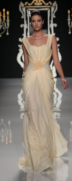Abed Mahfouz Spring-summer 2012 - Couture - http://www.orientpalms.com/abed-mahfouz-2771