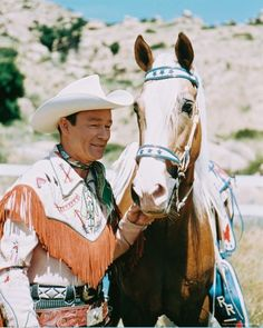 Roy Rogers & Trigger - My very first very large crush -     .     .     .     .    .     .  (sami)