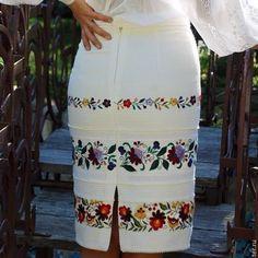 https://urbanglamourous.wordpress.com/2016/08/29/bordados-com-estilo #bordadosnamoda, #fashionembroidery, #ornamentosdeagulhaelinha, #ornamentswithneedleandthread