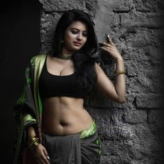Hot model in india Beautiful Girl In India, Most Beautiful Indian Actress, Beautiful Girl Image, Beautiful Saree, Beautiful Asian Girls, Beautiful Actresses, Black Saree Blouse, Desi Girl Image, Aunty In Saree