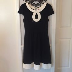 Eliza J dress Beautiful dress! Cap sleeves and key hole neck.  Zips up back. Excellent condition Eliza J Dresses