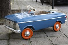 VINTAGE RARE RUSSIAN SOVIET PEDAL CAR MADE IN USSR MOSKVITCH