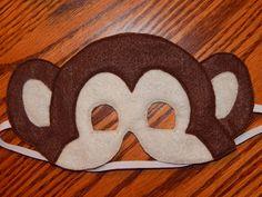 Mono fieltro máscara  accesorio del traje  por OurCozyCreations