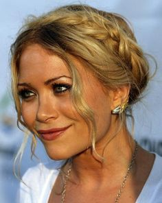 Google Image Result for http://stealtheirstyle.co.uk/Hair%2520Styles/olsen%2520marykate%2520plait.jpg