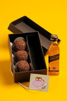 Miniature Black Label and Chocolate Truffles Gift Hampers, Le Chef, Marzipan, Food Packaging, Corporate Gifts, Party Gifts, Diy Gifts, Brunch, Food And Drink