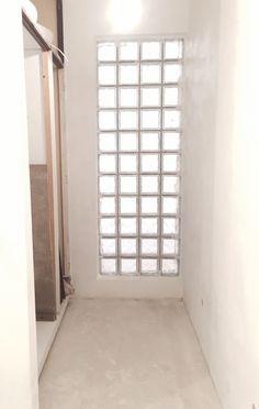 Entrada de luz em quarto interior. Apartamento João Castilho, Lisboa