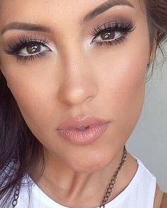 Simple and gorgeous makeup