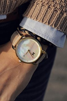 With free shipping worldwide, your search for the perfect watch ends here