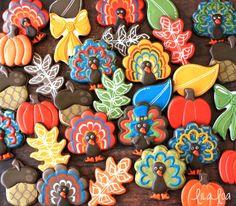 Thanksgiving decorated sugar cookies -- cookie decorating tutorials!
