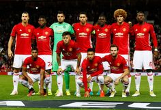 Manchester United players pose for a team group