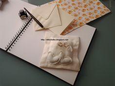 Cuscino porta fedi in shantung di seta con cuori applicati http://elbichofeo.blogspot.com
