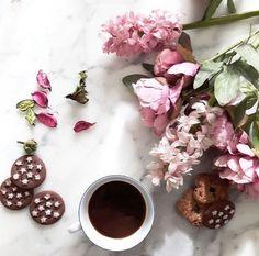 grafika flowers, coffee, and instagram