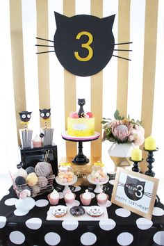 Kitty Cat Birthday Party Soft kitty, warm kitty, little ball of fur.this Kitty Cat Birthday Party featured at Kara's Party Ideas has some purrrfect elements you are sure to love! Birthday Table, Cat Birthday, 2nd Birthday Parties, Yellow Birthday, Birthday Ideas, Kitten Party, Cat Party, Fete Emma, Cat Themed Parties