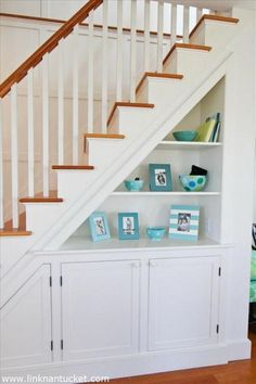 11 Clever Way to Mix the Shelving and Cabinets for More Extra Storage under the Stairs