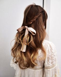 Braided hairstyles are pretty trendy these days. These Braided hairstyles are made by interlacing multiple strands of hair to form a length. Pastel Hair, Ombre Hair, Pretty Hairstyles, Braided Hairstyles, Wedding Hairstyles, Hairstyle Ideas, Hairstyles With Ribbon, Girly Hairstyles, Romantic Hairstyles