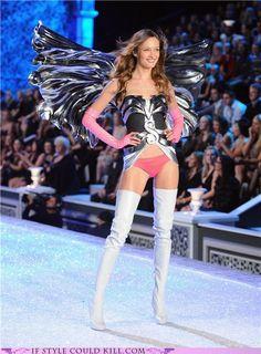 Victoria's Secret Fashion Show 2011: Best of The Runway