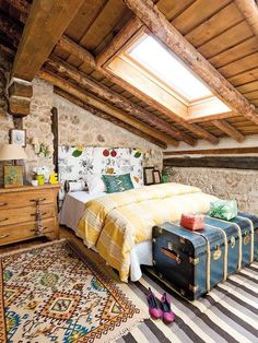 Love this this cozy bedroom. Boho influence.