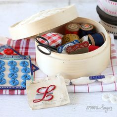 Make a sewing kit using a bamboo steamer basket